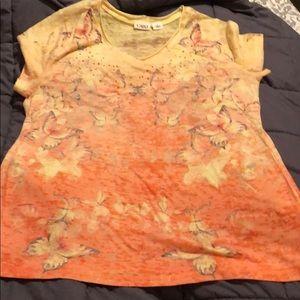 BUNDLE&SAVE!!  Gorgeous blouse